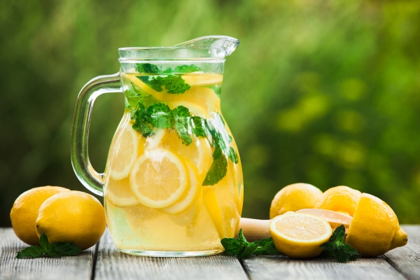 When life sends you lemons, make lemonade!